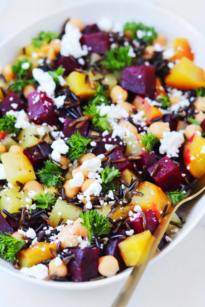 Beets - fruits and vegetables in season - Daisybeet
