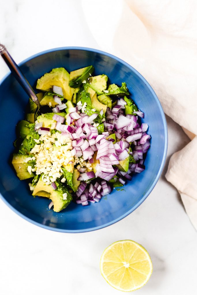 Homemade guacamole ingredients - Daisybeet